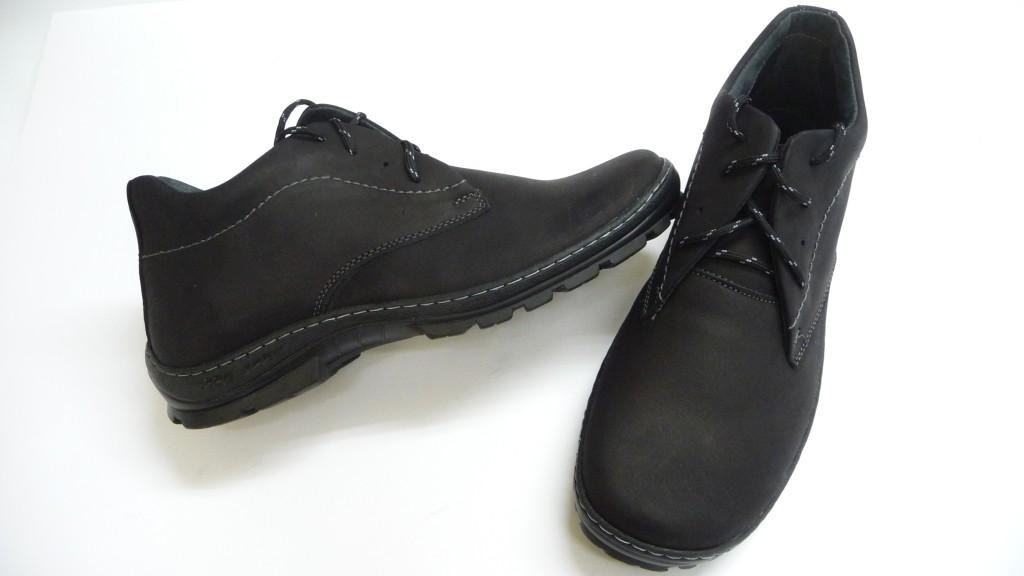 d4eeb669d85a Európa legjobb minőségű cipő sorozatának tagja! Extra méretű- nagylábú-  nagyméretű hiper könnyű, rendkívüli hajlékonyságú, zárt, vízálló, finoman  bélelt ...