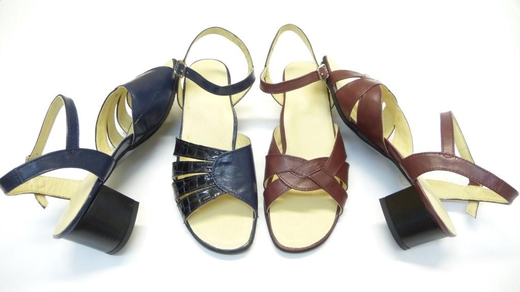 NYÁR KÖZEPE. Barna bőr szandál női cipő bőrcipő lapos